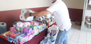 Unidad Regional Mazatlán, realiza colecta y entrega a DIF donativos en especie para damnificados por el Huracán Nora
